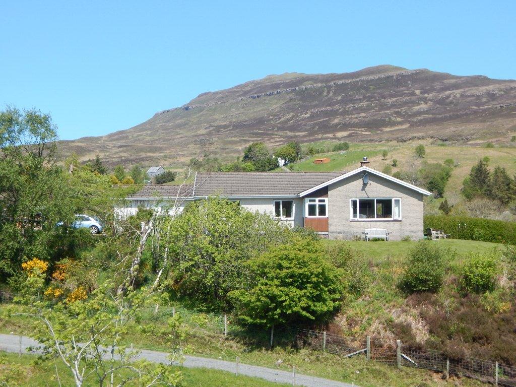 12 Camustianavaig, Portree, Isle Of Skye, IV51 9LQ