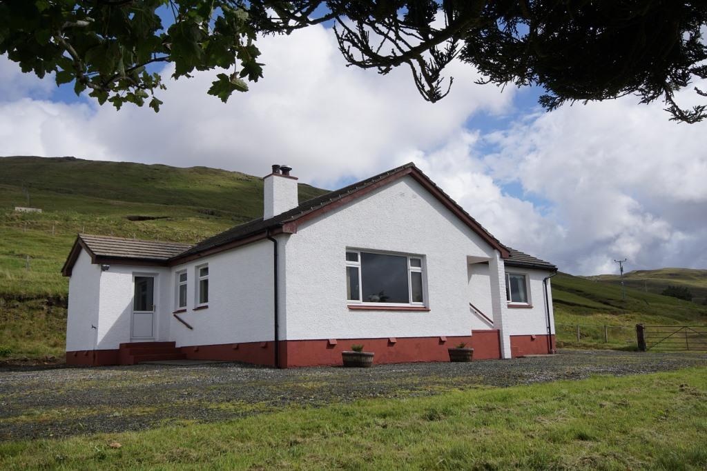 Eubhal, 3 Glenmore, Portree, Isle Of Skye, IV51 9LP